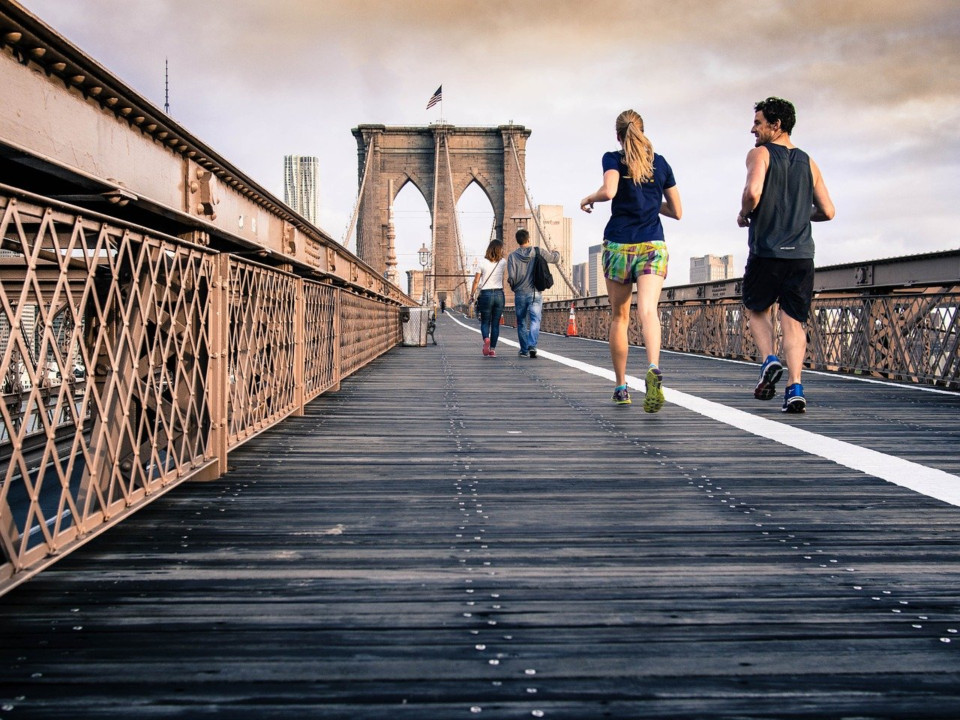 エクササイズでストレスと運動不足を解消